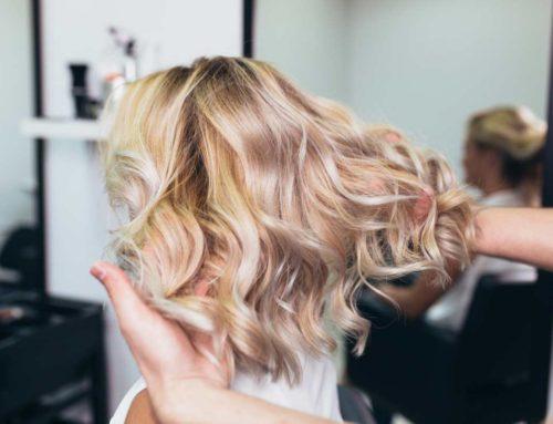 Balayage all'argilla: schiarire i capelli in modo naturale